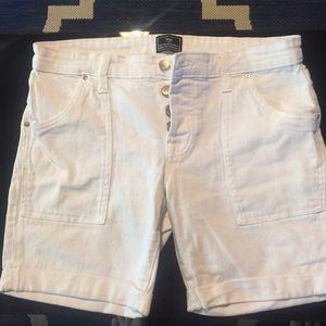 Gap white Jeans Boyfriend Shorts size 8/29